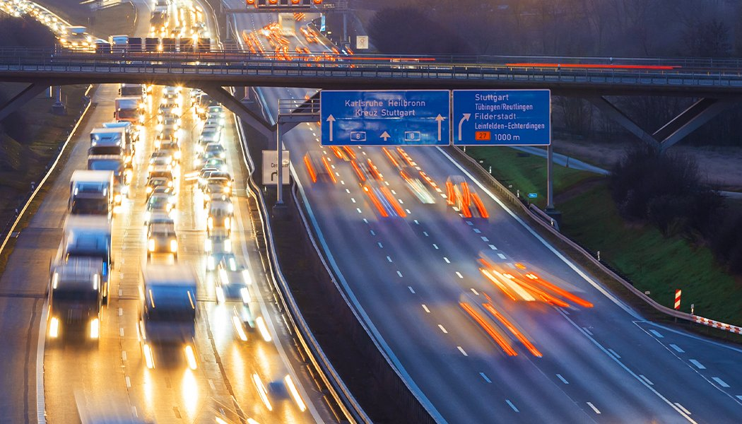 Picture of the future of mobility: It belongs to the Lightweight Wheel, depicted via a motorway at night.
